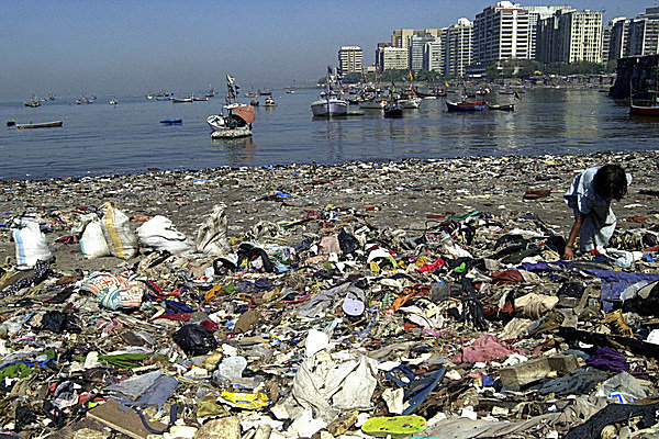 0426-plastic-water-pollution-ocean-wind